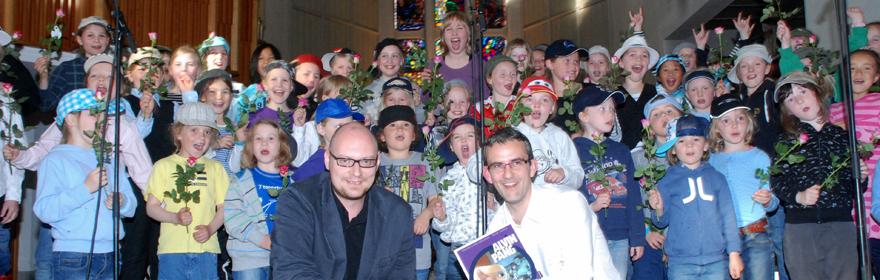 «Alvin Pang» med aspirantkorene, Endre Lund Eriksen (tekst), Tore Johansen (musikk) og Bodø Rhythm Group våren 2011